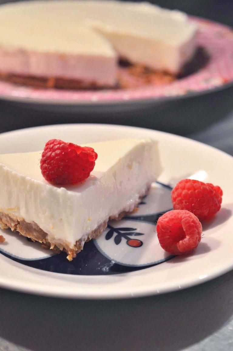lemoncheesecakeslice