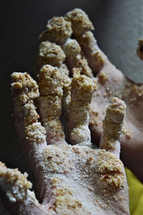 bredcrumbed hands